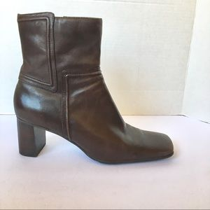 Nine West leather brown ankle heeled boots size 8